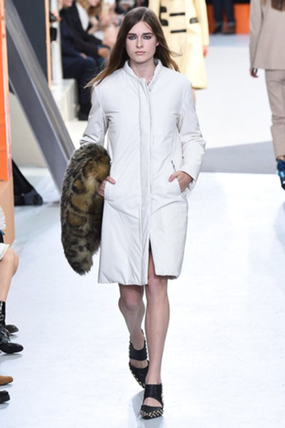 Неделя моды в Париже: показ Louis Vuitton ready-to-wear осень-зима 2015/16 | галерея [1] фото [14]