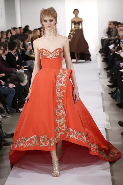 15 лучших красных платьев из осенне-зимних коллекций | галерея [1] фото [4]