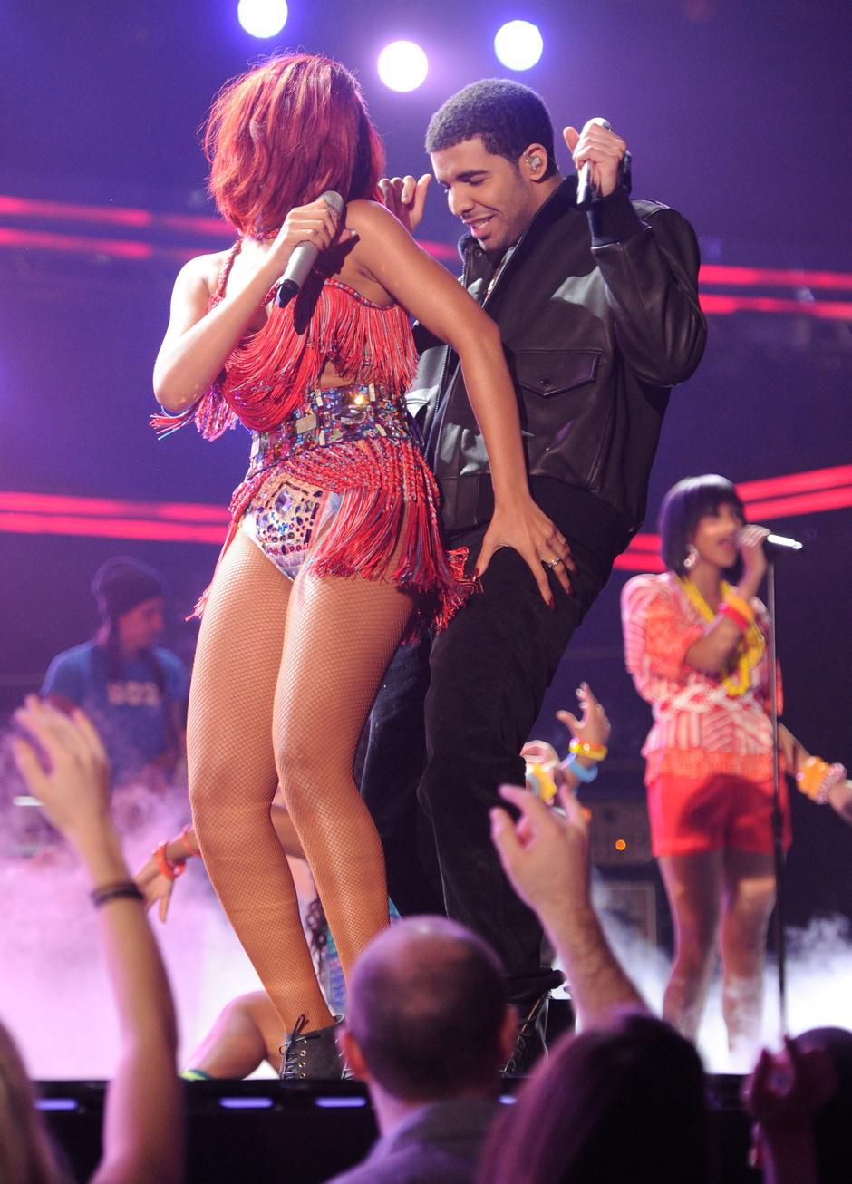 Рианна и Дрейк в 2011 году