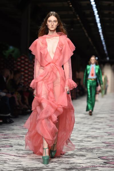 50 лучших платьев Недели моды в Милане | галерея [1] фото [46]
