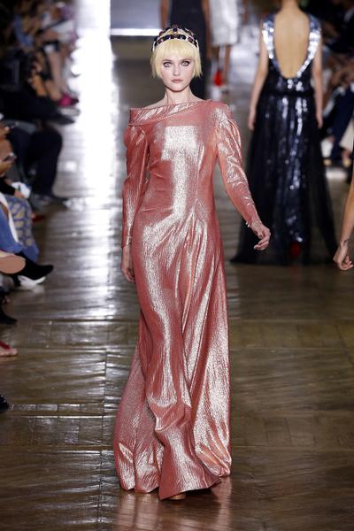 Показ Ulyana Sergeenko на Неделе Haute Couture в Париже | галерея [1] фото [9]
