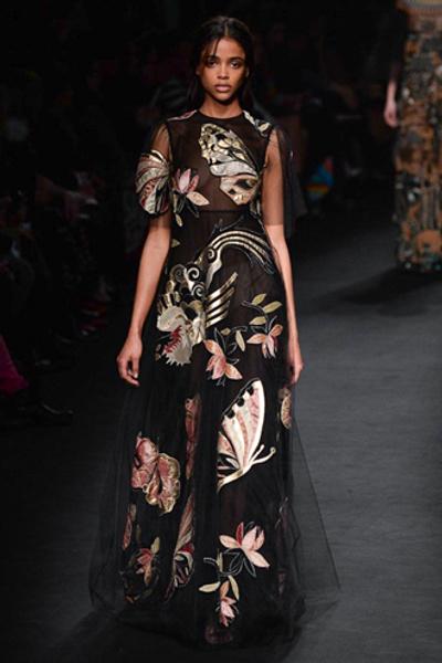 Неделя моды в Париже: показ Valentino ready-to-wear осень — зима 2015-2016 | галерея [1] фото [2]