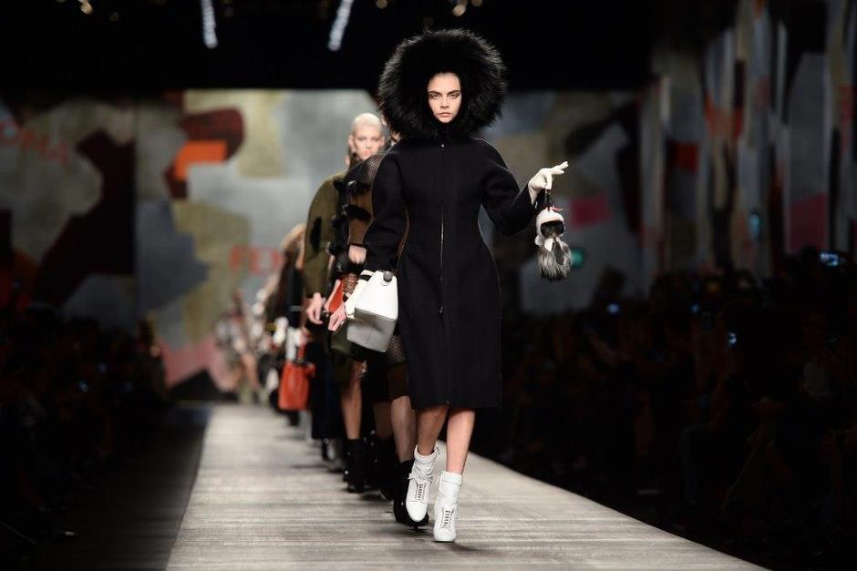 Билеты на миланскую Неделю моды выставлены на продажу на аукционе