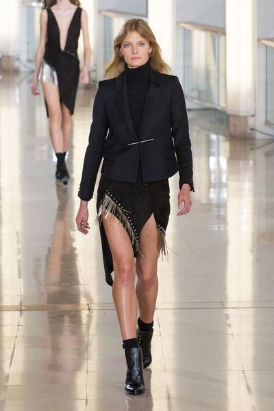 Показ Anthony Vaccarello на Неделе моды в Париже | галерея [2] фото [5]