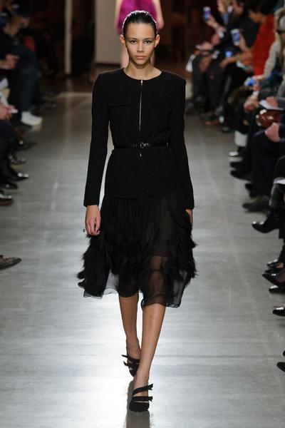 Показ Oscar de la Renta на Неделе моды в Нью-Йорке | галерея [1] фото [28]