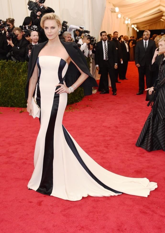Шарлиз Терон в Dior Couture