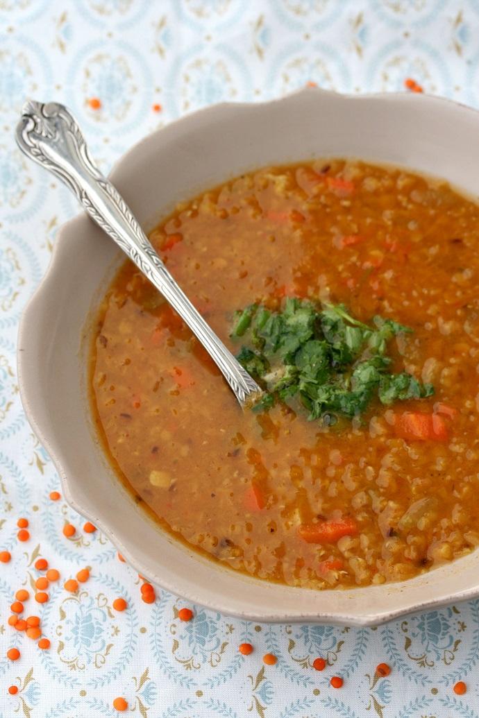 Ароматный овощной суп из чечевицы
