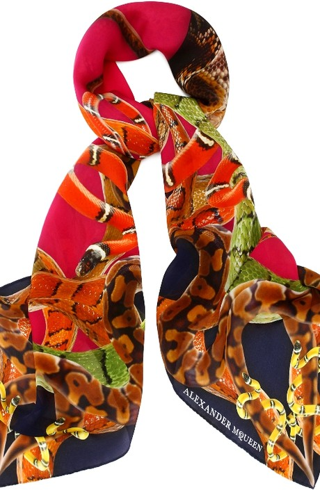 Модный шелковый платок: фото