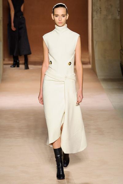 Показ Victoria Beckham на Неделе моды в Нью-Йорке | галерея [1] фото [25]