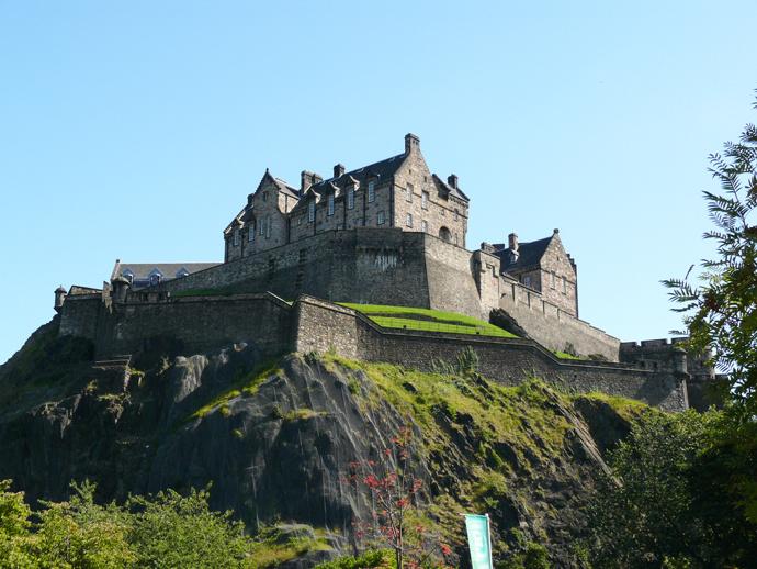 Эдинбургский замок и «Страшный Джокер и Ко»