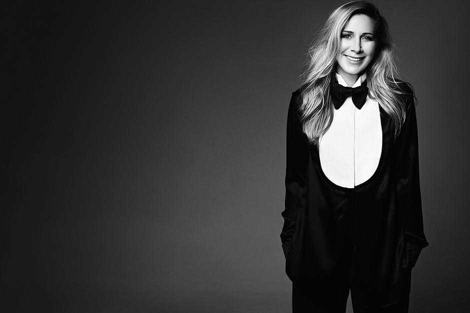 Рубашка, Givenchy; бабочка, Tom Ford