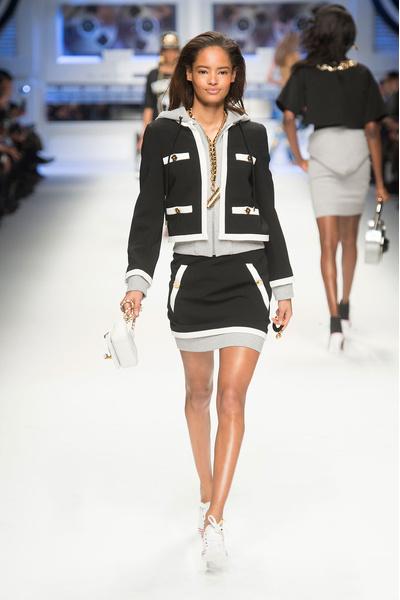 Показ Moschino на Неделе моды в Милане | галерея [4] фото [18]