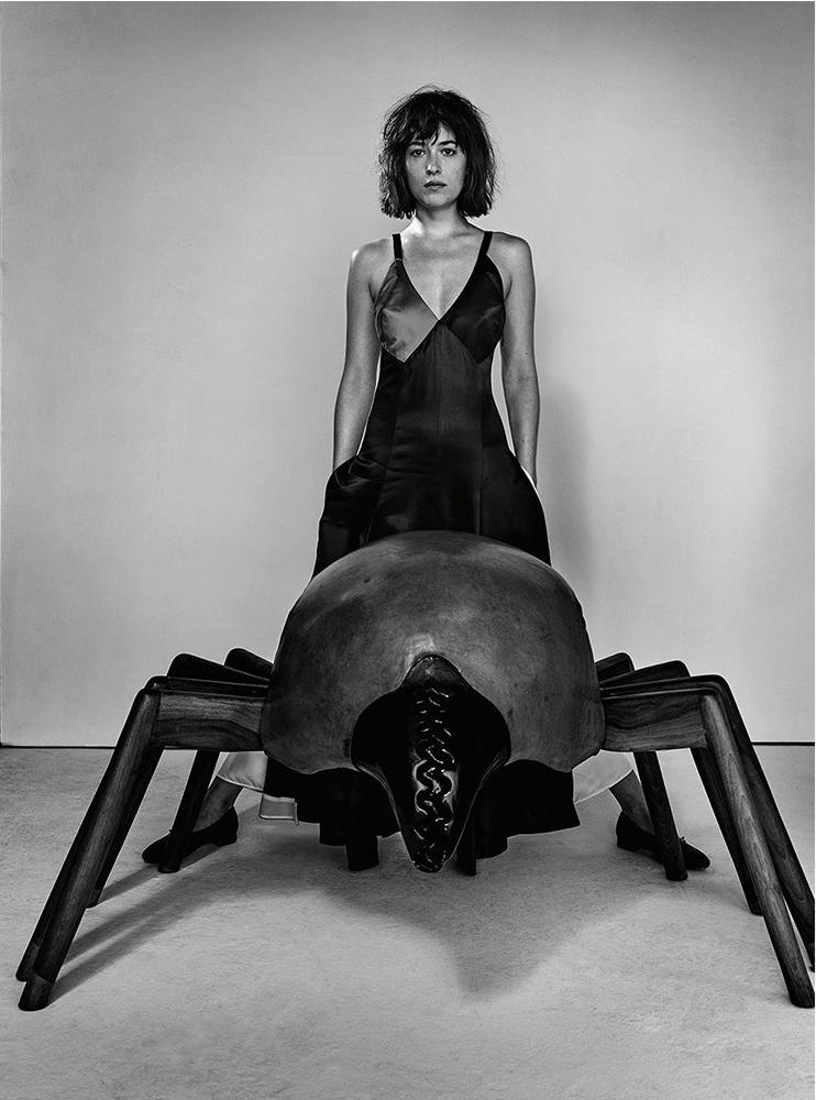 Дакота Джонсон в фотосессии журнала AnOther