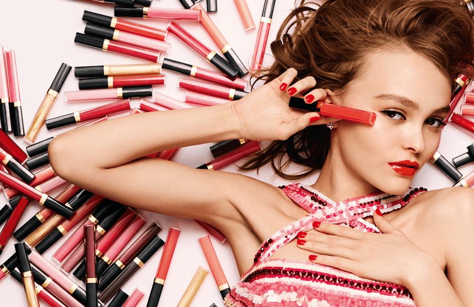 Лили-Роуз Депп в рекламной кампании блесков Chanel Rouge Coco Gloss