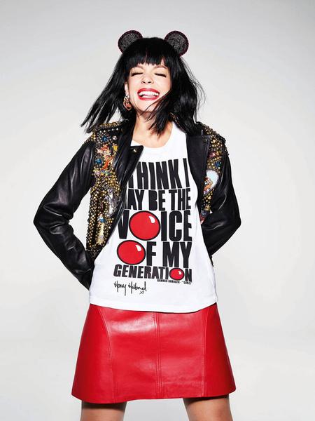 Известные дизайнеры создали футболки ко Дню красного носа | галерея [2] фото [6]