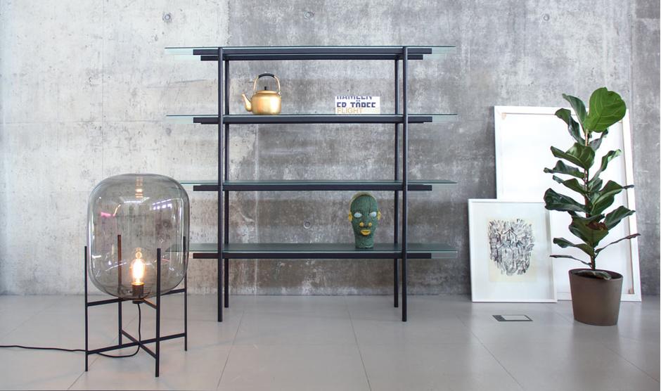 Стеллаж и светильник из коллекции Passerelle, Pulpo