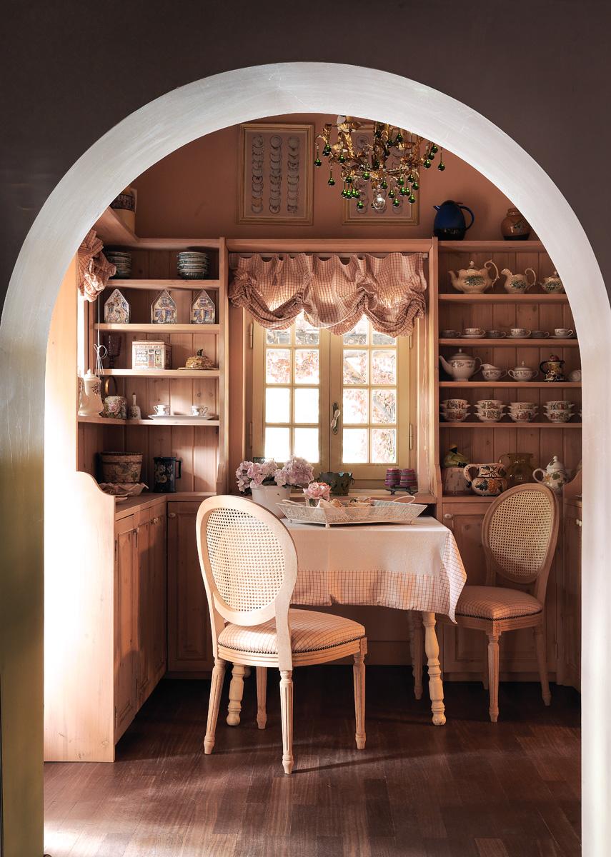 Коллекция молочников из керамики и чайников