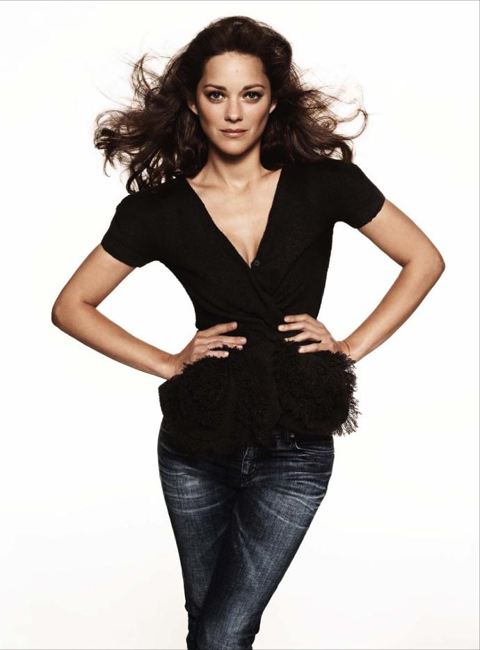 Марион Котийяр в Dior Haute Couture