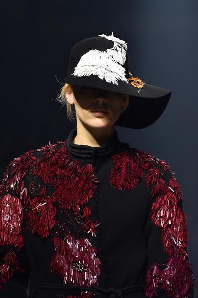 Показ Lanvin на неделе моды в Париже | галерея [1] фото [9]