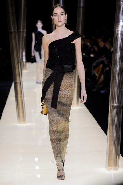 На Неделе высокой моды в Париже прошел юбилейный показ Giorgio Armani Prive | галерея [2] фото [28]
