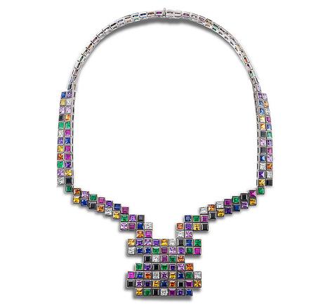 Колье Random, белое и черное золото, бриллианты, сапфиры, шпинель, аметисты, гранаты, Solange Azagury- Partridge, цена по запросу.