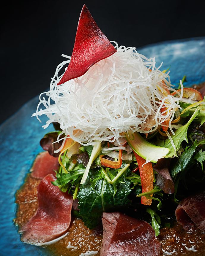 Сашими-салат с тунцом и соусом матсухиса