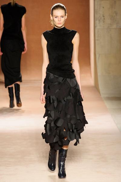 Показ Victoria Beckham на Неделе моды в Нью-Йорке | галерея [1] фото [3]