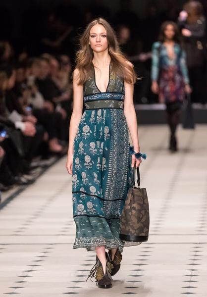 Показ Burberry Prorsum на Неделе моды в Лондоне | галерея [1] фото [28]