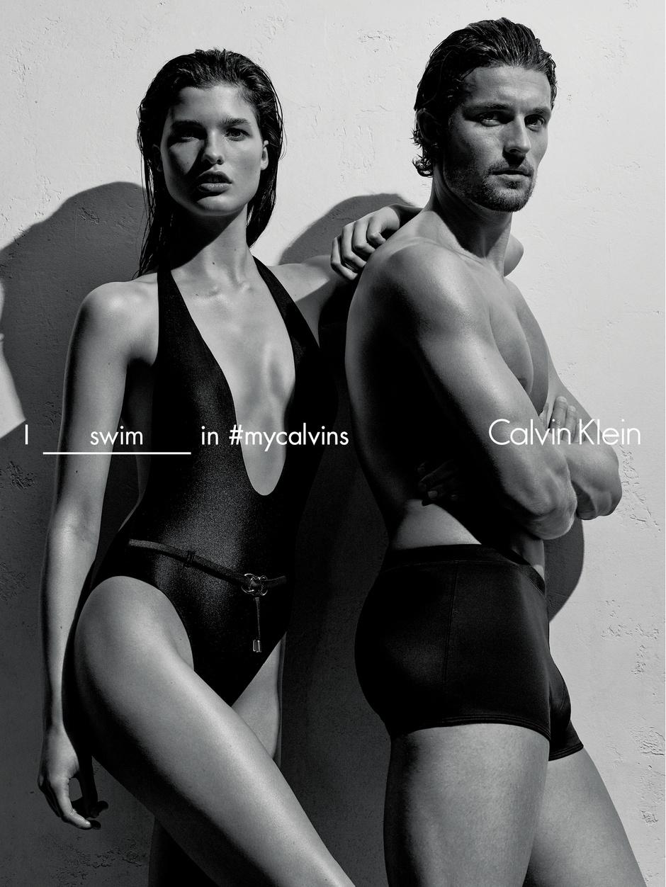 Calvin Klein представил новую коллекцию купальников