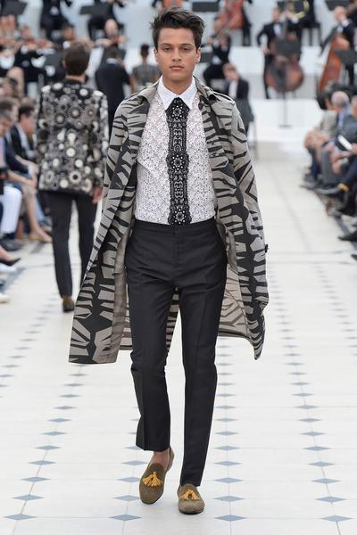 Показ Burberry Prorsum на Неделе мужской моды в Лондоне | галерея [2] фото [22]