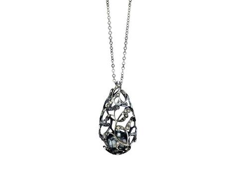 Колье Bolero, черненое белое золото, бриллианты, жемчуг, Utopia, 303 600 руб.