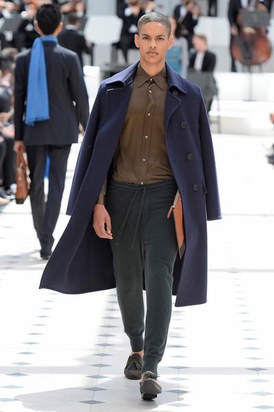 Показ Burberry Prorsum на Неделе мужской моды в Лондоне | галерея [2] фото [12]