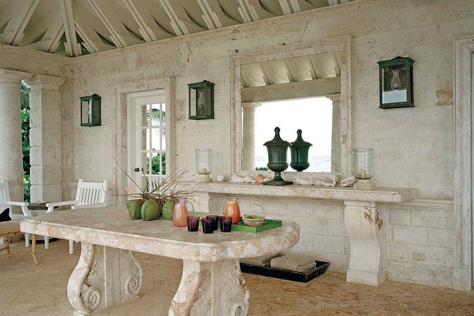Терраса в пляжном доме Оскара де ла Рента