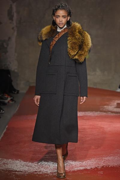Неделя моды в Милане: 1 марта | галерея [1] фото [8]