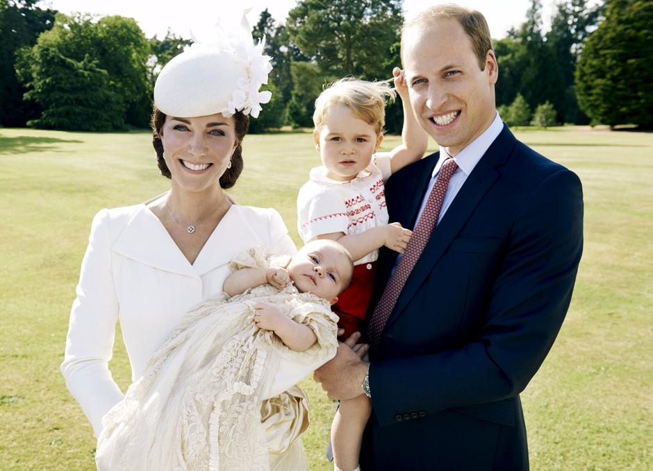 Герцогиня Кембриджская, принцесса Шарлотта, принц Георг и принц Уильям