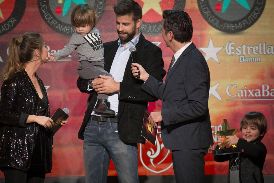 Жерар Пике с детьми
