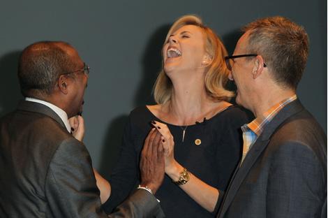 Фото дня: Шарлиз Терон на благотворительной акции в UNAIDS
