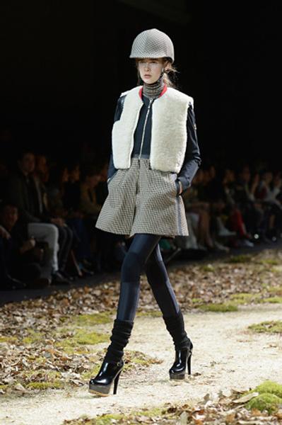 Неделя моды в Париже: показ Moncler Gamme Rouge осень-зима 2015/16 | галерея [1] фото [16]