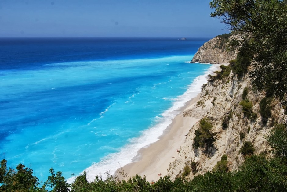 9. Eggremni Beach , Лефкада, Греция