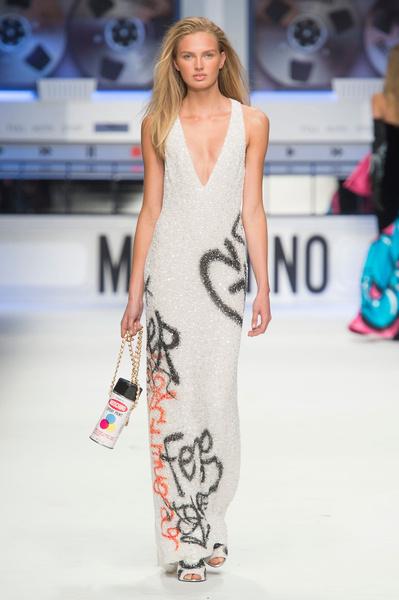 Показ Moschino на Неделе моды в Милане | галерея [5] фото [12]