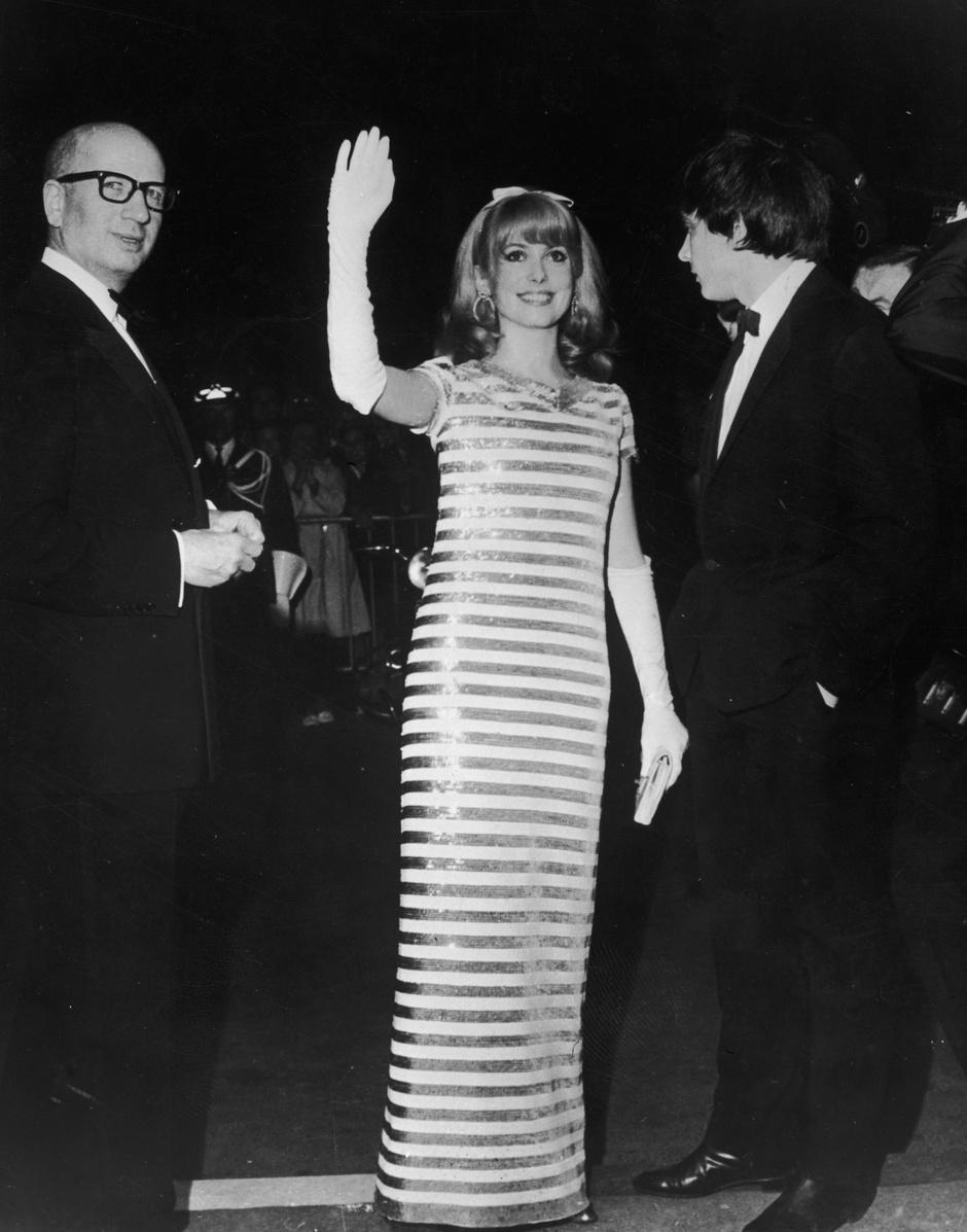 Катрин Денев, 1966