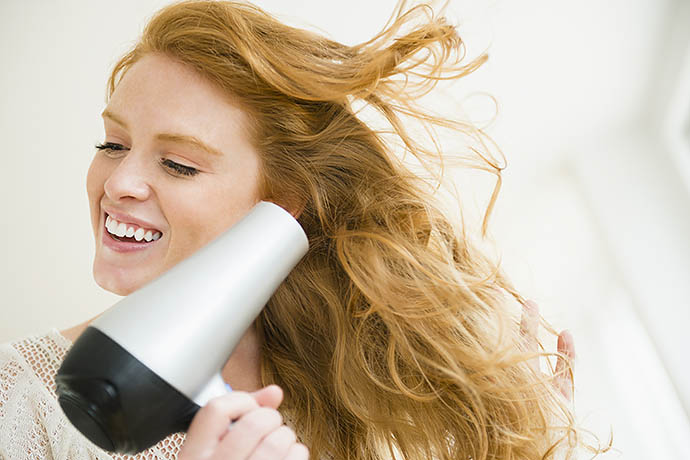 7 ошибок во время сушки волос, которые совершает каждая женщина