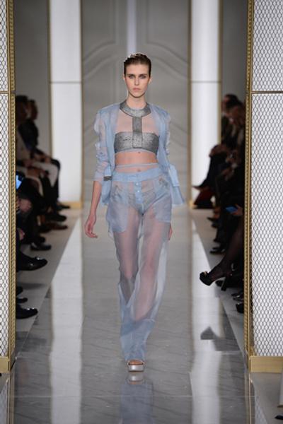 Дебютный показ La Perla на Неделе высокой моды в Париже | галерея [1] фото [5]
