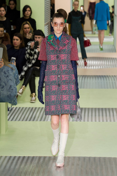 Показ Prada на Неделе моды в Милане | галерея [1] фото [23]