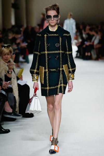 Неделя моды в Париже: показ Miu Miu pret-a-porter осень-зима 2015/16 | галерея [1] фото [25]