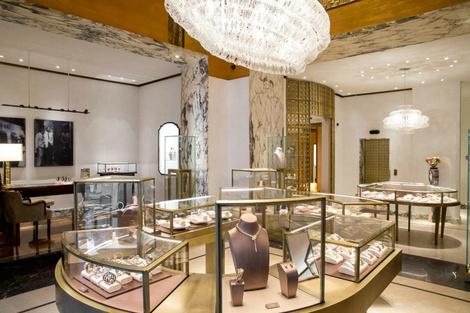 Из Рима с любовью: королевский подарок от BVLGARI для Москвы | галерея [1] фото [5]