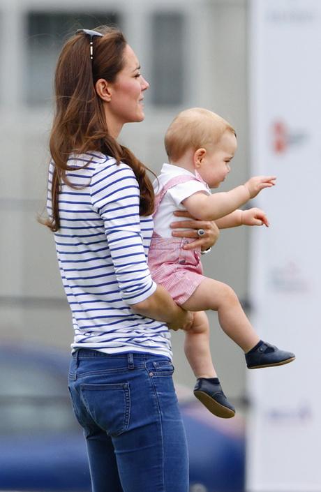 Кейт Миддлтон впервые появилась на публике после родов