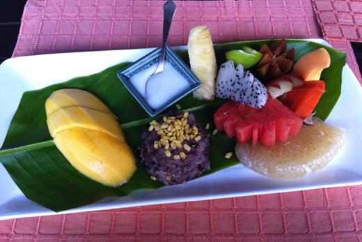 Клейкий рис с манго и кокосовым молоком