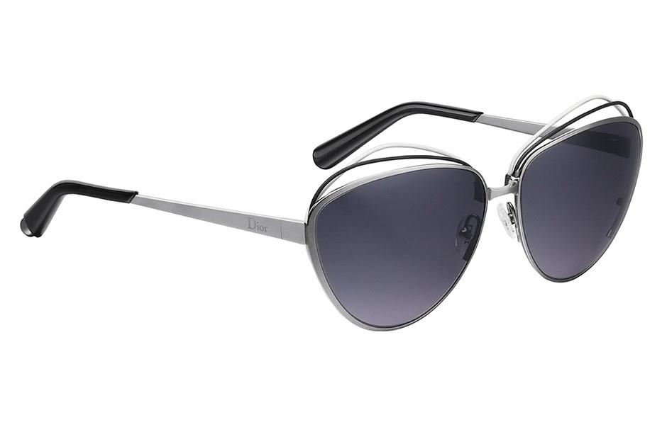 Солнцезащитные очки, Dior, цена по запросу.