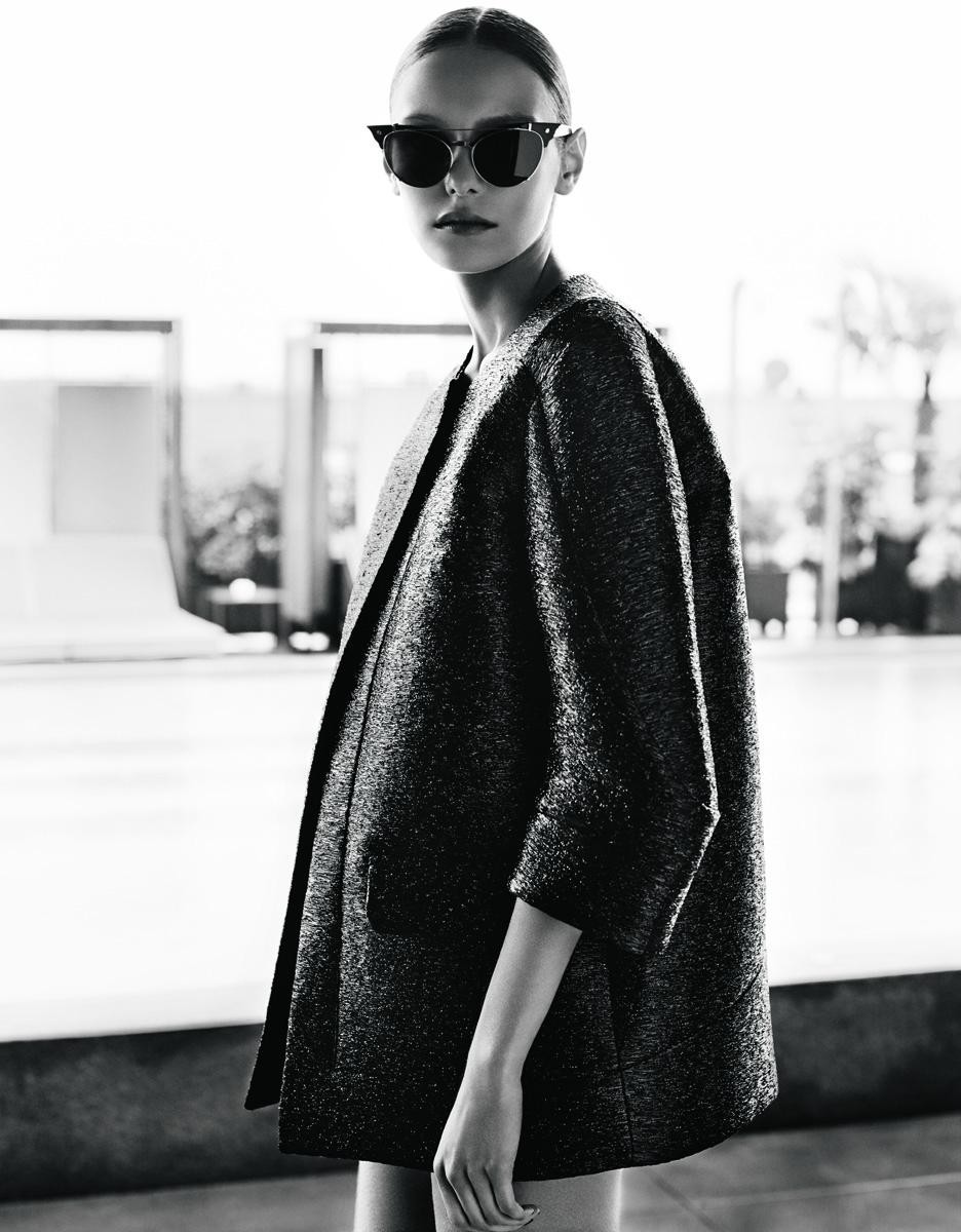 Пиджак из технорафии, солнцезащитные очки, все — Dsquared²